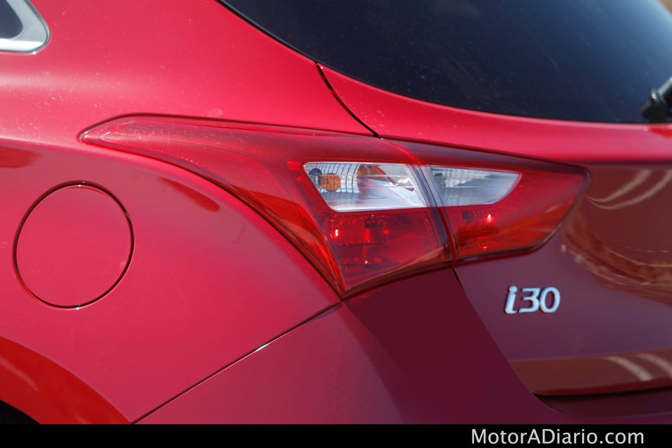Hyundaii302015_18