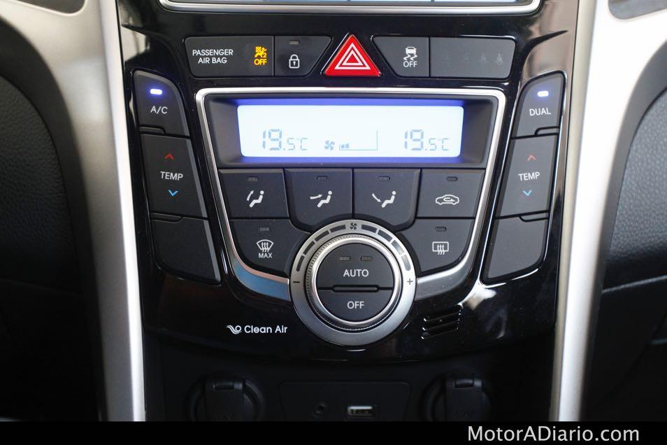 Hyundaii302015_24