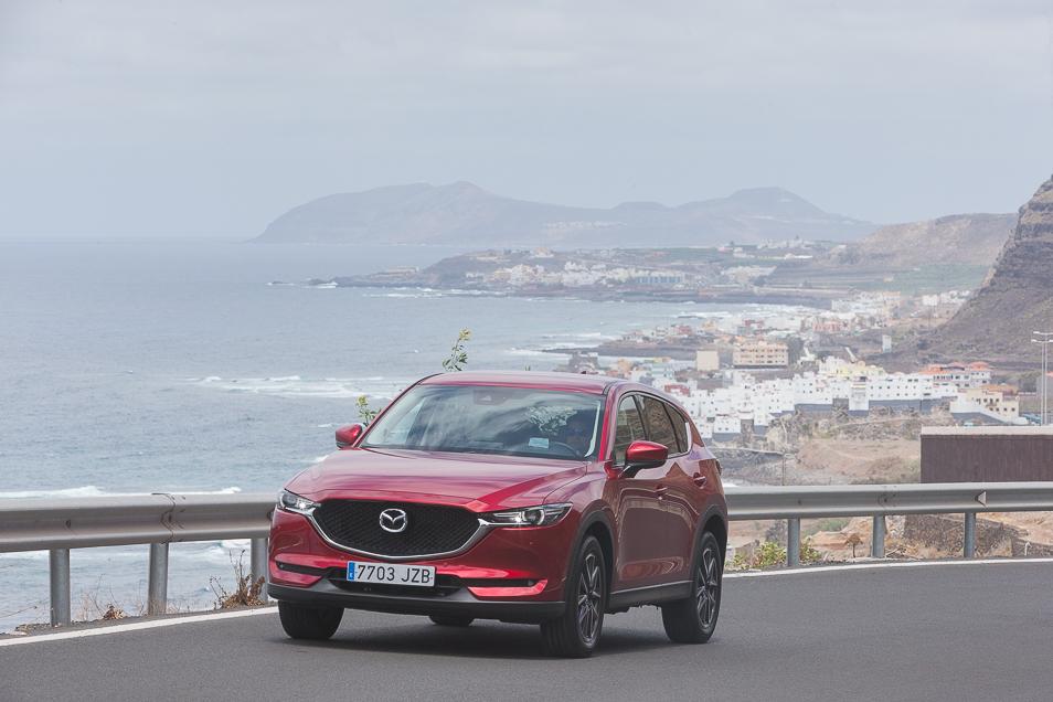 MazdaCX5_2017_1