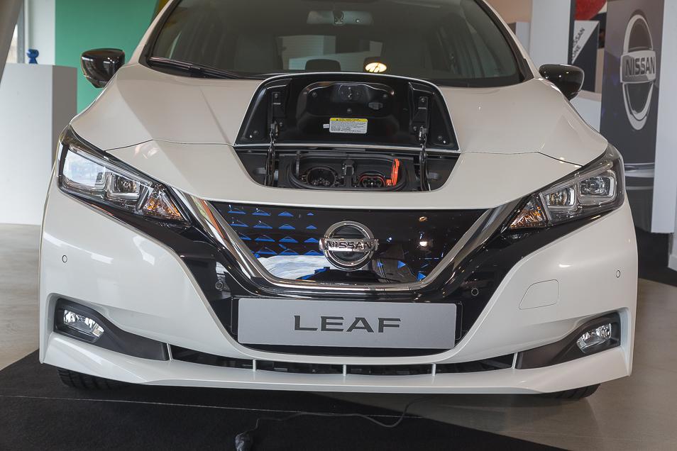 NissanLeaf2018_12