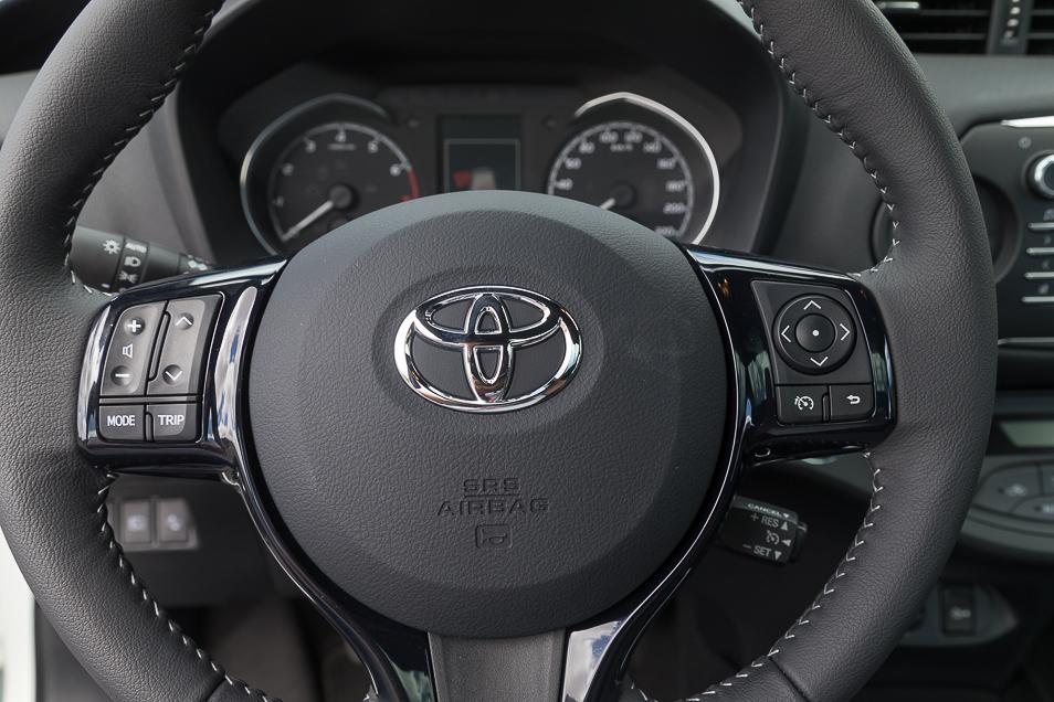 ToyotaYaris2017_24