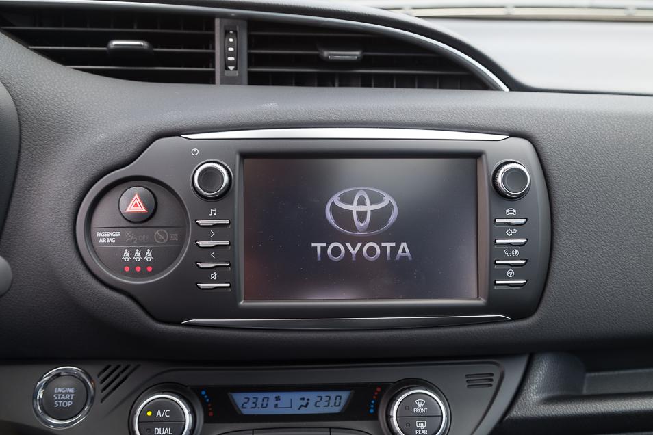 ToyotaYaris2017_25